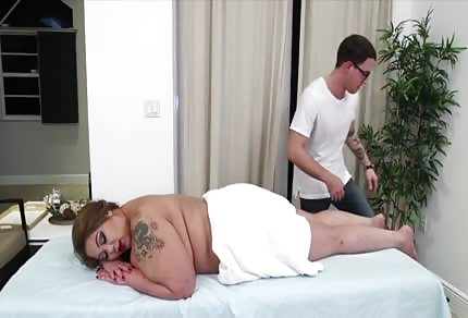 Masaje a una gorda