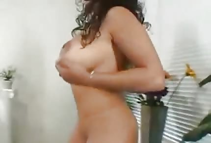 Latina tetona sexy bien follada