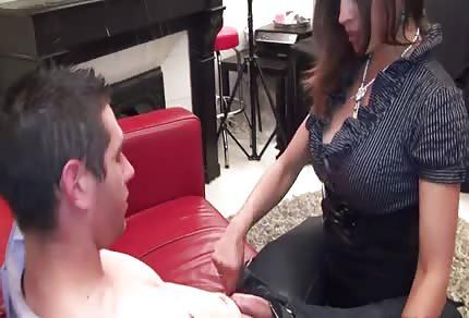 Madura caliente y su amante joven