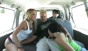 Aventura sexual en el coche