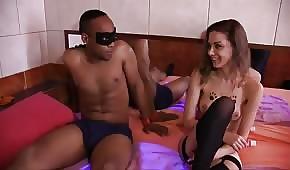 El negro se tira a una buena prostituta