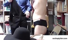 Sexo en la espalda con dos matices.