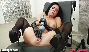 Morena juguete sexo culo