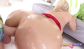 Aceitado culo de un blondie
