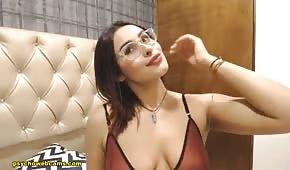 El ocular se acaricia en la webcam sexual